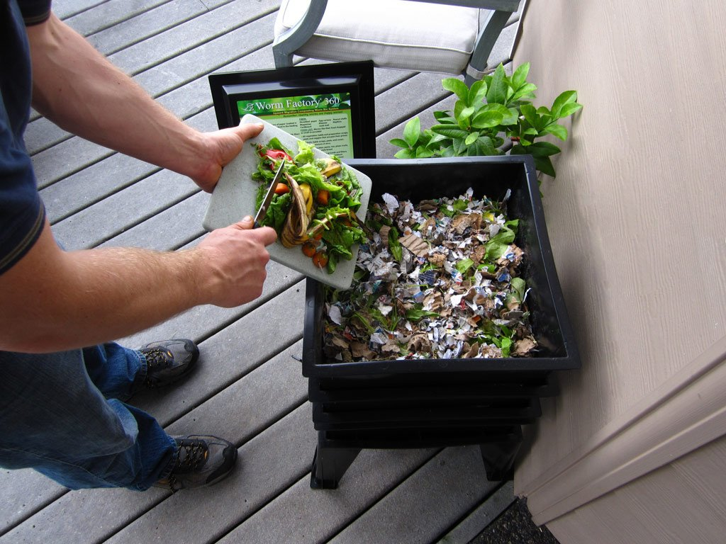 how to choose garden composter