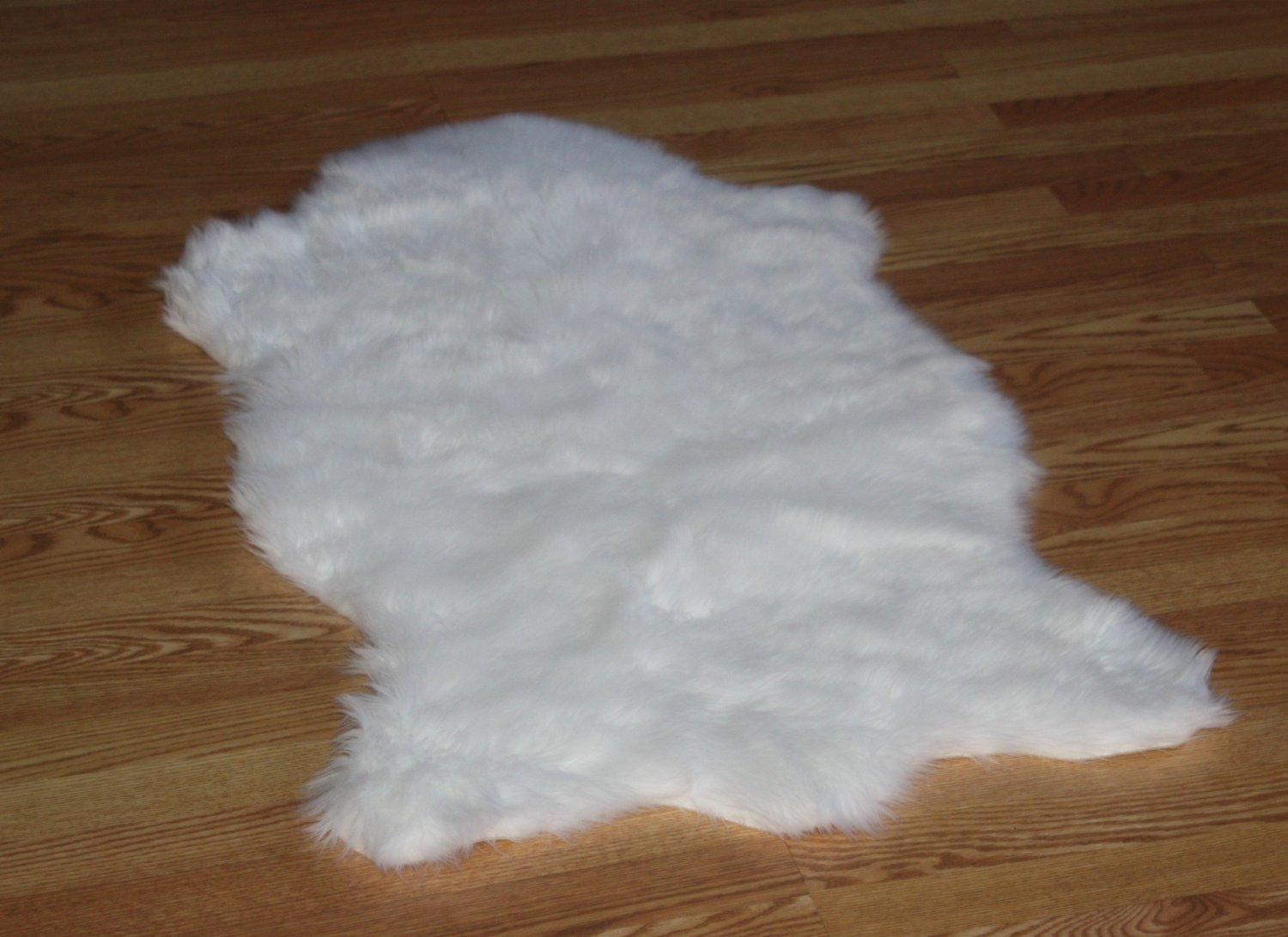 Amazon.com: Faux Animal Skin Hide Rug 3u0027 X 5u0027 (WHITE): Kitchen U0026 Dining