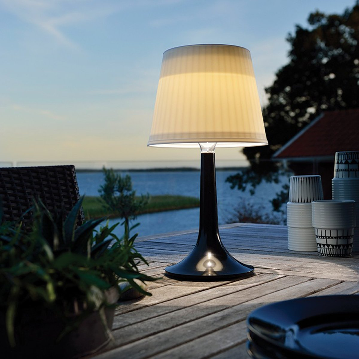 LED Solar Table Lamp Desk Lamp White Night Lights Indoor Outdoor Table Lights (Black)