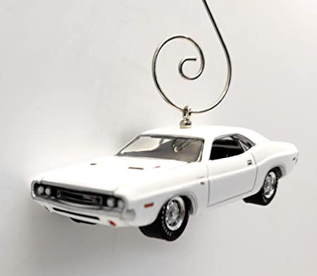 Christmas Showroom 2021 Challenger Buy 1970 Dodge Challenger Custom Christmas Ornament 1 64 Diecast White Online At Low Prices In India Amazon In