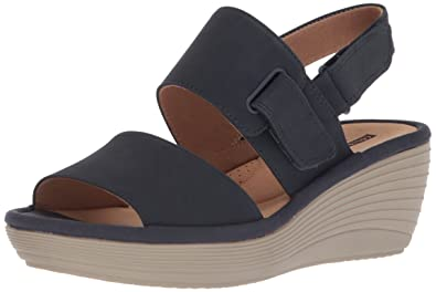 5916d25ccf52 Amazon.com  CLARKS Women s Reedly Breen Wedge Sandal  Clarks  Shoes