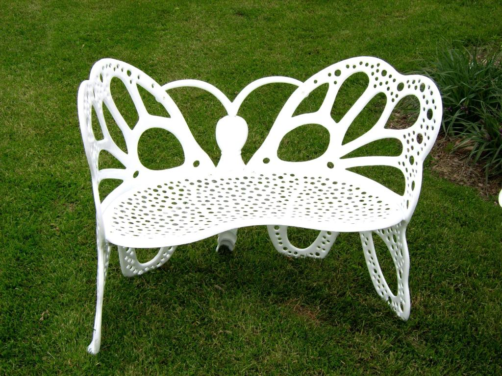 flower house fhbfb06w butterfly bench white. Black Bedroom Furniture Sets. Home Design Ideas