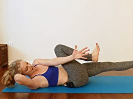 Amazon com: Quick Yoga Workouts For Weight Loss & Toning: Lindsey