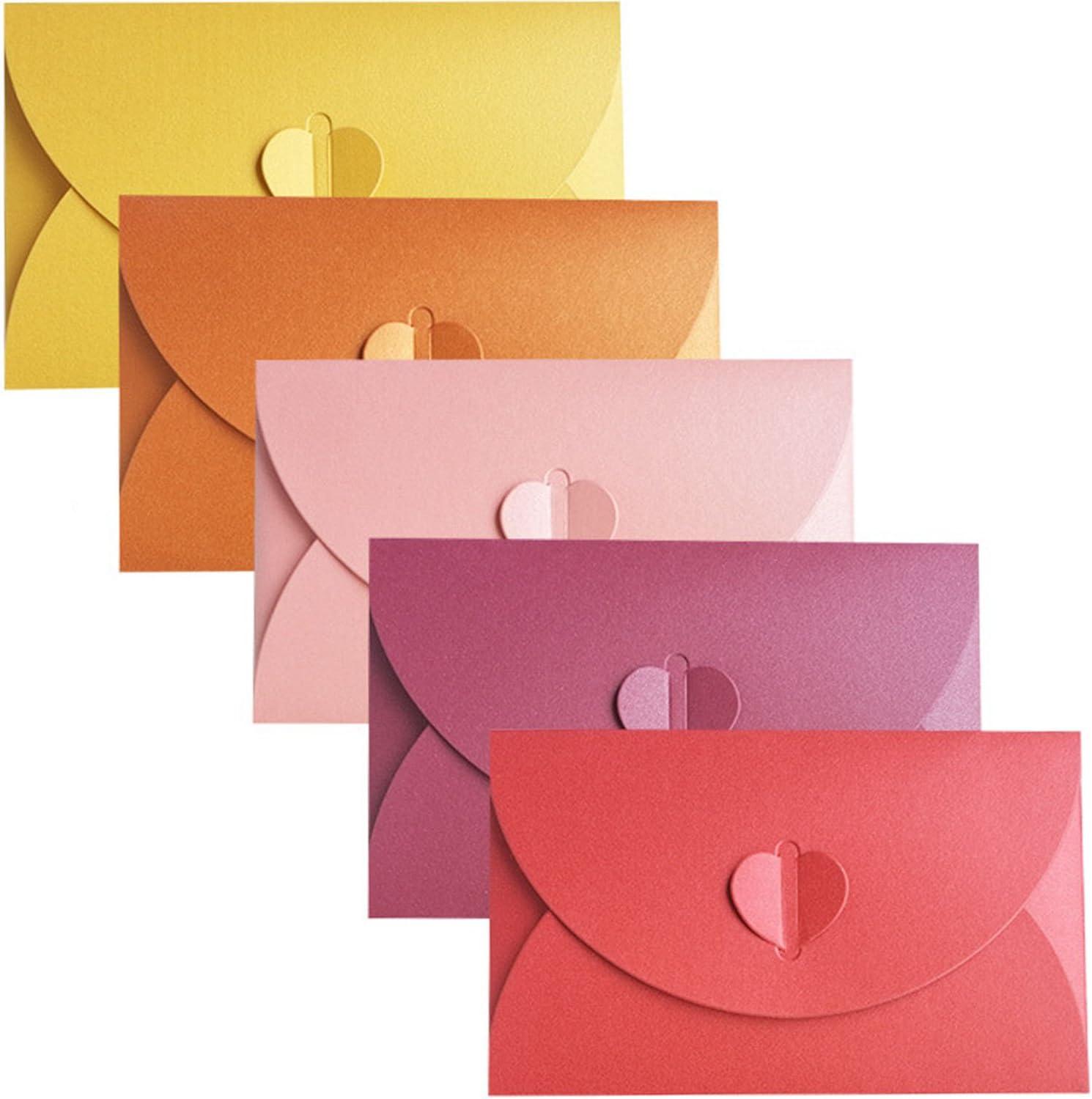 Busta di Carta Perlescente DBAILY 70pcs Mini Carta di Regalo Busta Colorate Buste Creative con Chiusura a Forma di Cuore per DIY Regali Compleanno Dauguri Cerimonia Nuziale