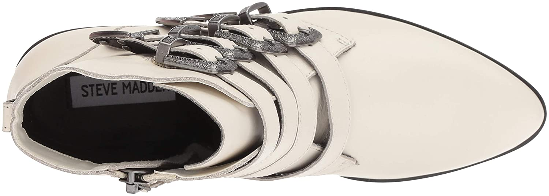 d40e24a2490 Amazon.com  Steve Madden Women s Billey Fashion Boot  Shoes
