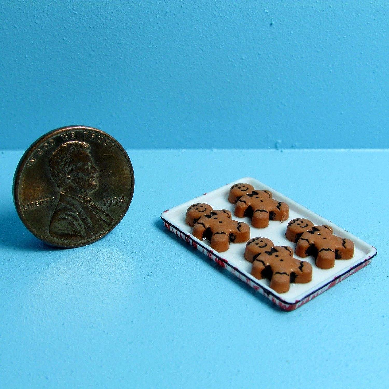 Dollhouse Miniature Christmas Gingerbread Men on Tray ~ CAR1383