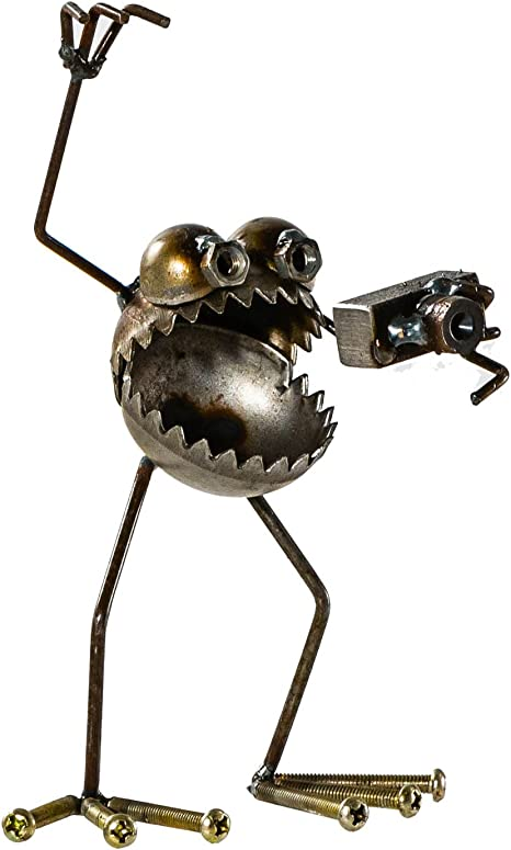 Amazon Com Sugarpost Gnome Be Gone Mini Photographer With Camera Welded Scrap Metal Art Sculpture Item 1078 Garden Outdoor