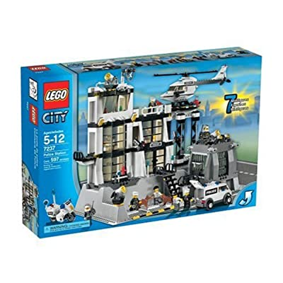 LEGO City Police Station: Toys & Games