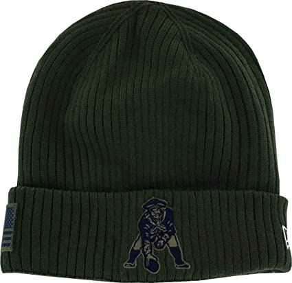4db1a13f489 Image Unavailable. Image not available for. Color  England Patriots  Throwback 2018 On Field Salute to Service Knit Hat