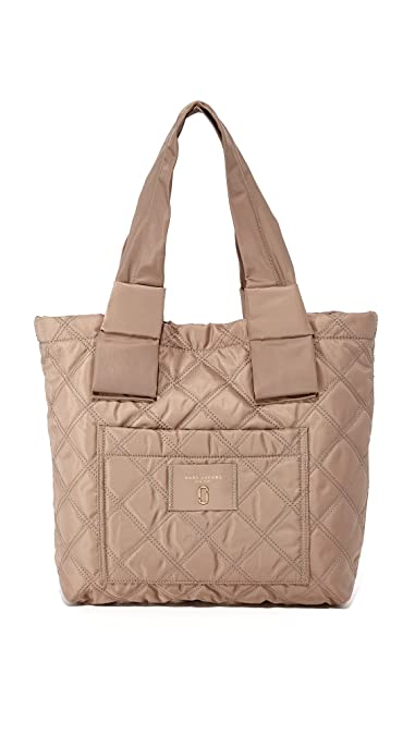 dec8b941c53fb Amazon.com  Marc Jacobs Women s Nylon Knot Small Tote