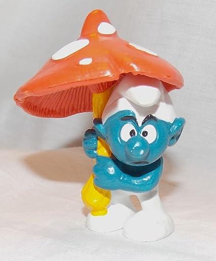 Amazon Com 1979 Vintage Smurf With Mushroom Umbrella 2 5 Pvc