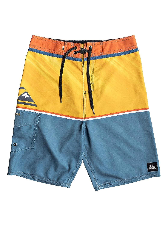 3d19b772e387 Amazon.com: Quiksilver Men's Everyday Division 20 Boardshort Swim Trunk:  Clothing