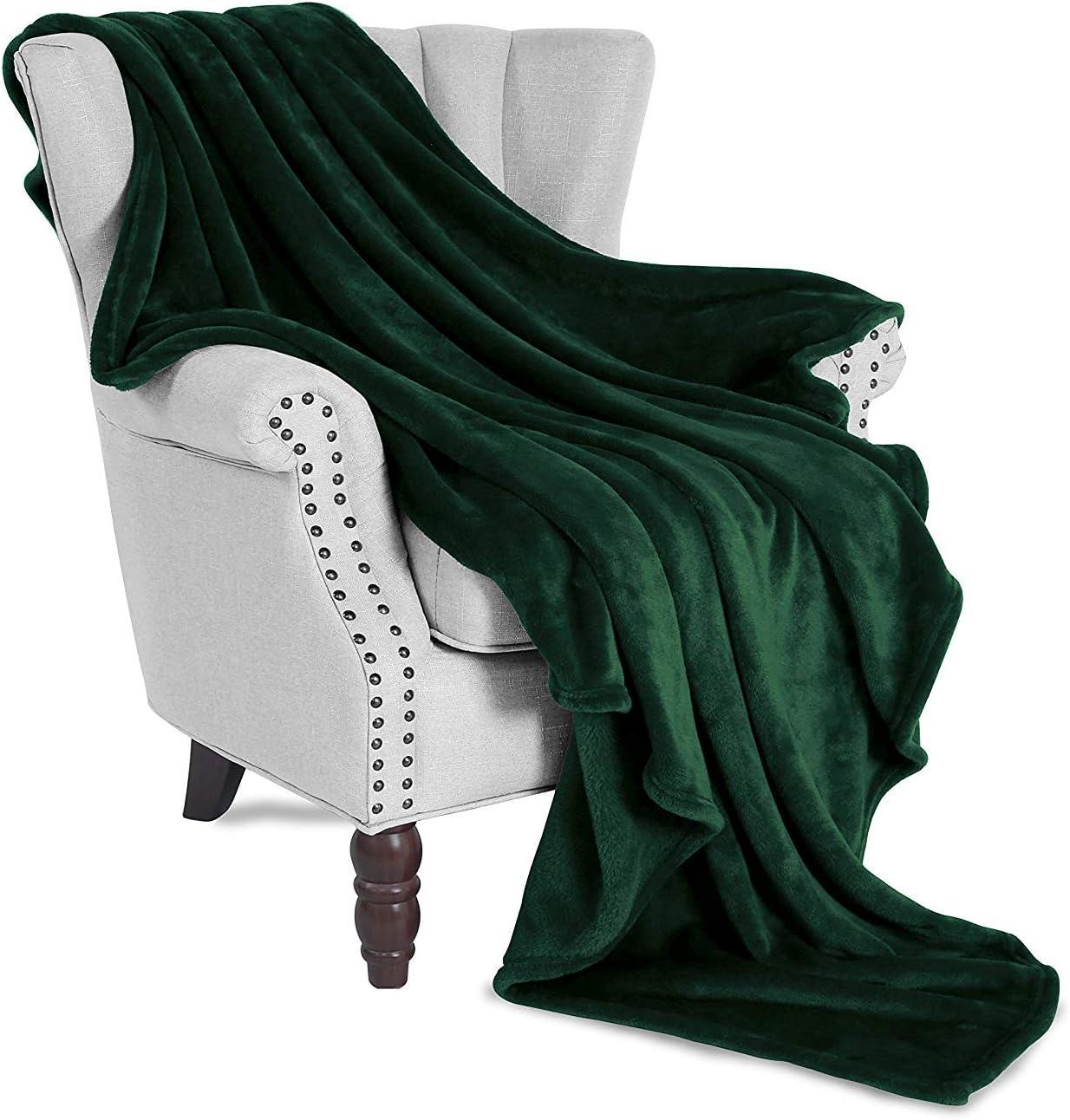 "Exclusivo Mezcla Large Flannel Velvet Plush Throw Blanket - 50"" x 70"" (Forest Green)"