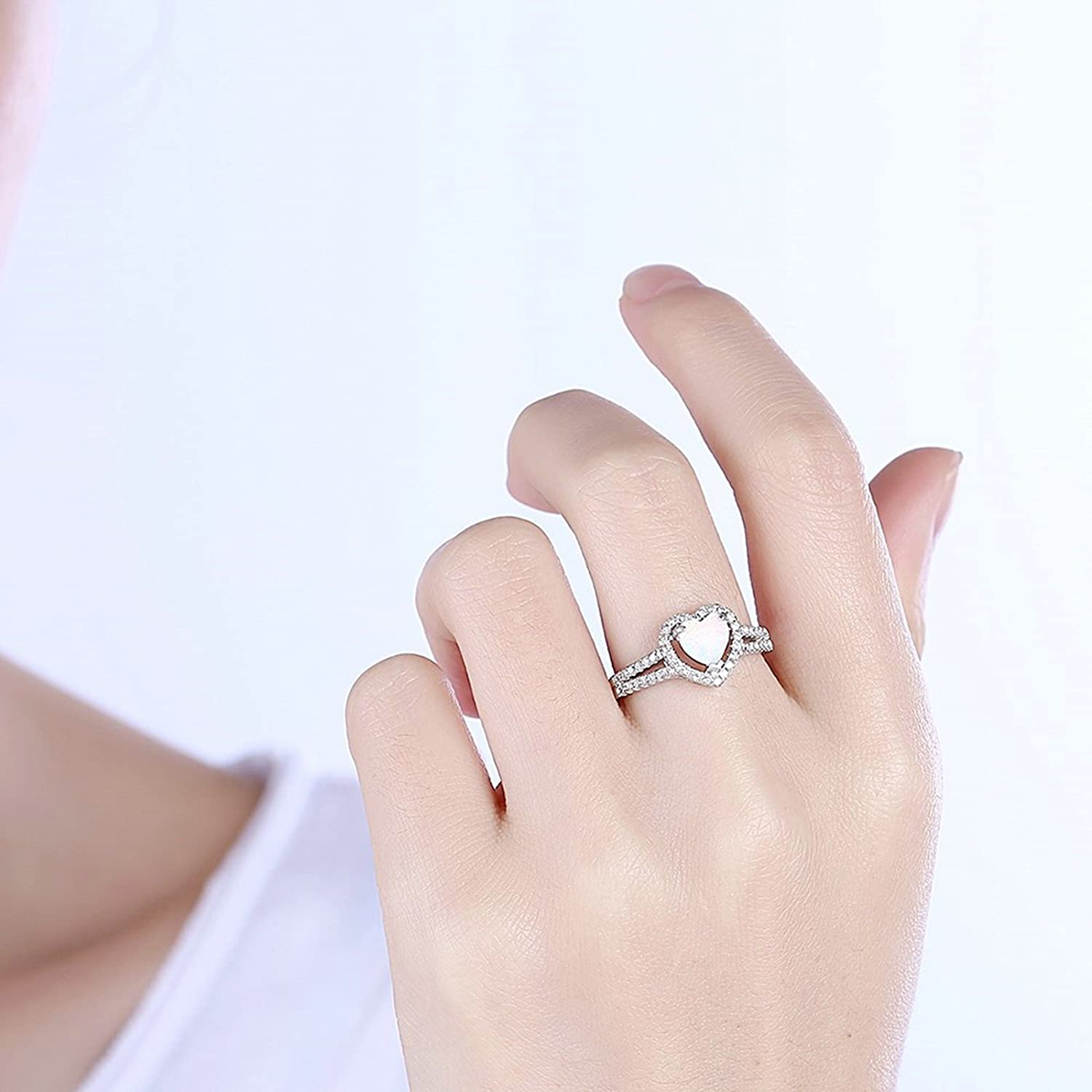 MoAndy Jewelry Silver Plated Ring for Wedding Bridal Women Heart Gem Stone