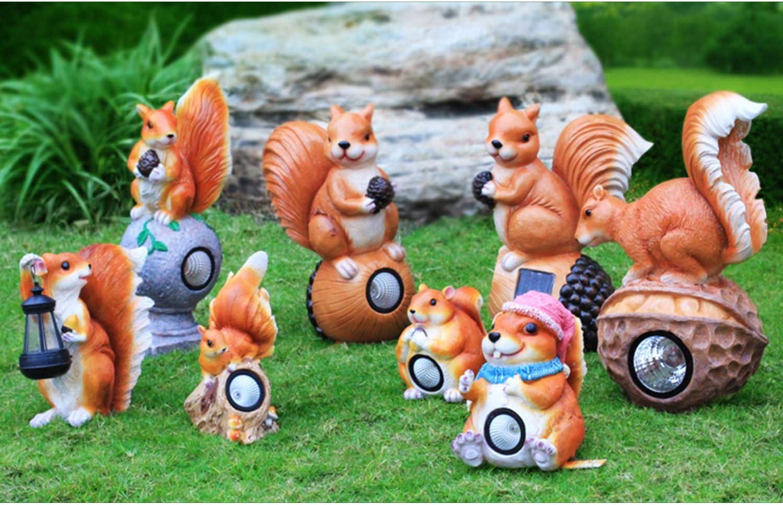 LOVEPET Outdoor Simulation Squirrel Solar Light Fiberglass Animal Sculpture Squirrel Ornaments Garden Grass Ornament Set of 8