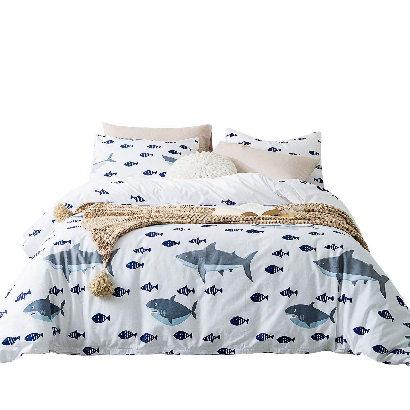YuHeGuoJi 3 Pieces Shark Printed Duvet Cover Sets 100% Cotton White King Size Animal Pattern Bedding Set 1 Cartoon Fish Duvet Cover with Zipper Ties 2 Pillowcases Luxury Quality Soft Hypoallergenic