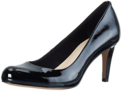 b82eaf471436 Clarks Women s Carlita Cove Closed-Toe Pumps  Amazon.co.uk  Shoes   Bags