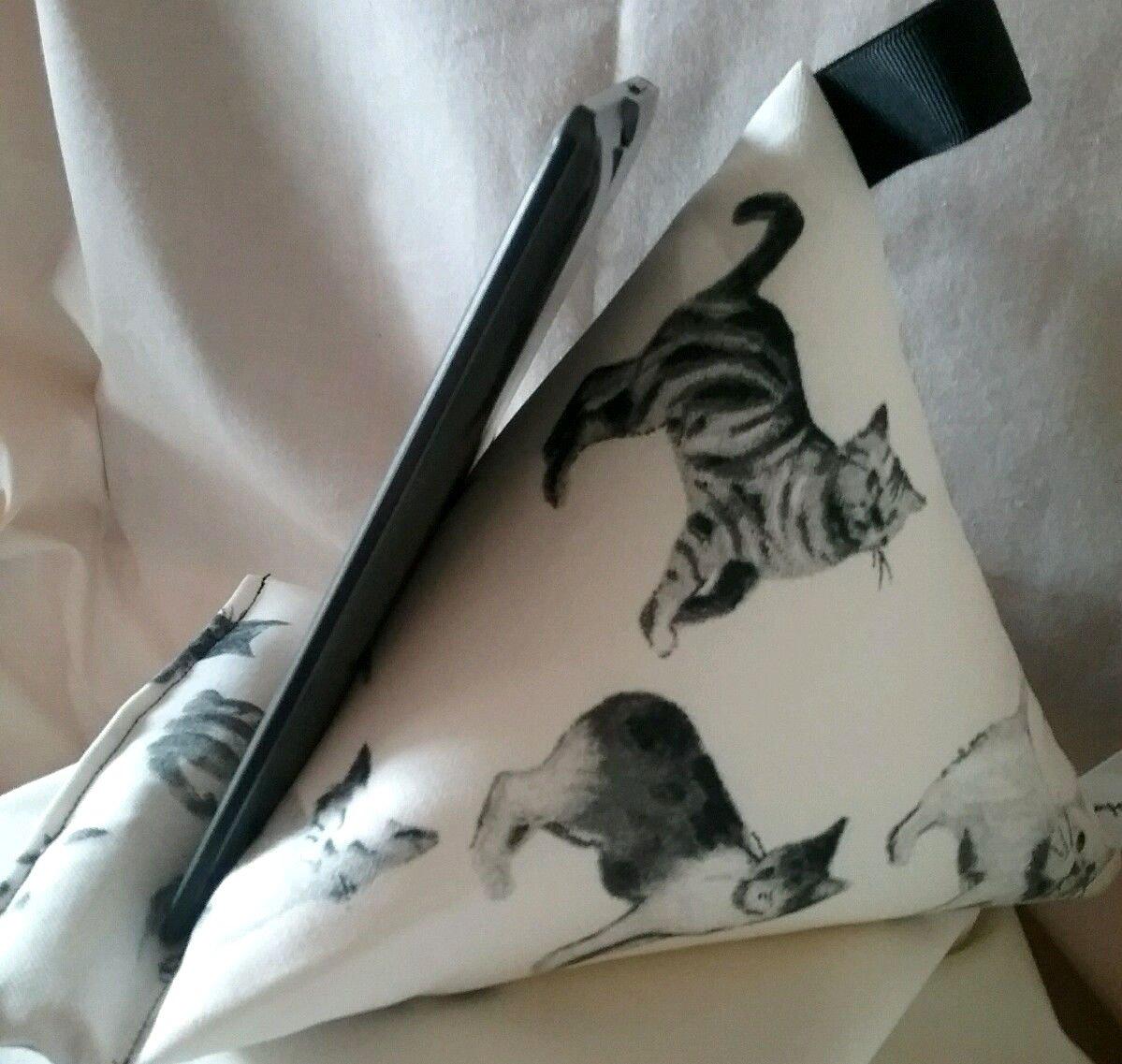 Gatos (en color crema) regalo - Soporte de tablet Kindle ...