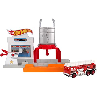 Hot Wheels Blaze Blast Playset: Toys & Games