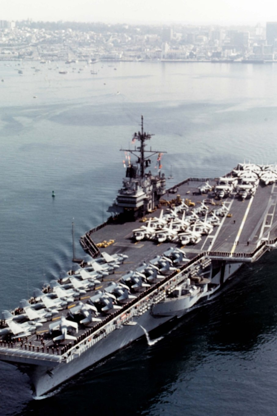 USS Ranger (CV-61) US Navy Aircraft Carrier Journal: Take Notes, Write Down Memories in this 150 Page Lined Journal PDF