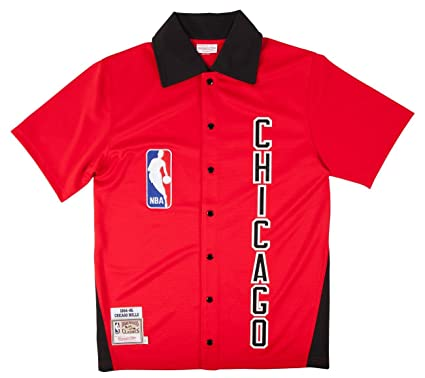 Mitchell & Ness Chicago Bulls 1984-85 Shooting Jersey in Red.