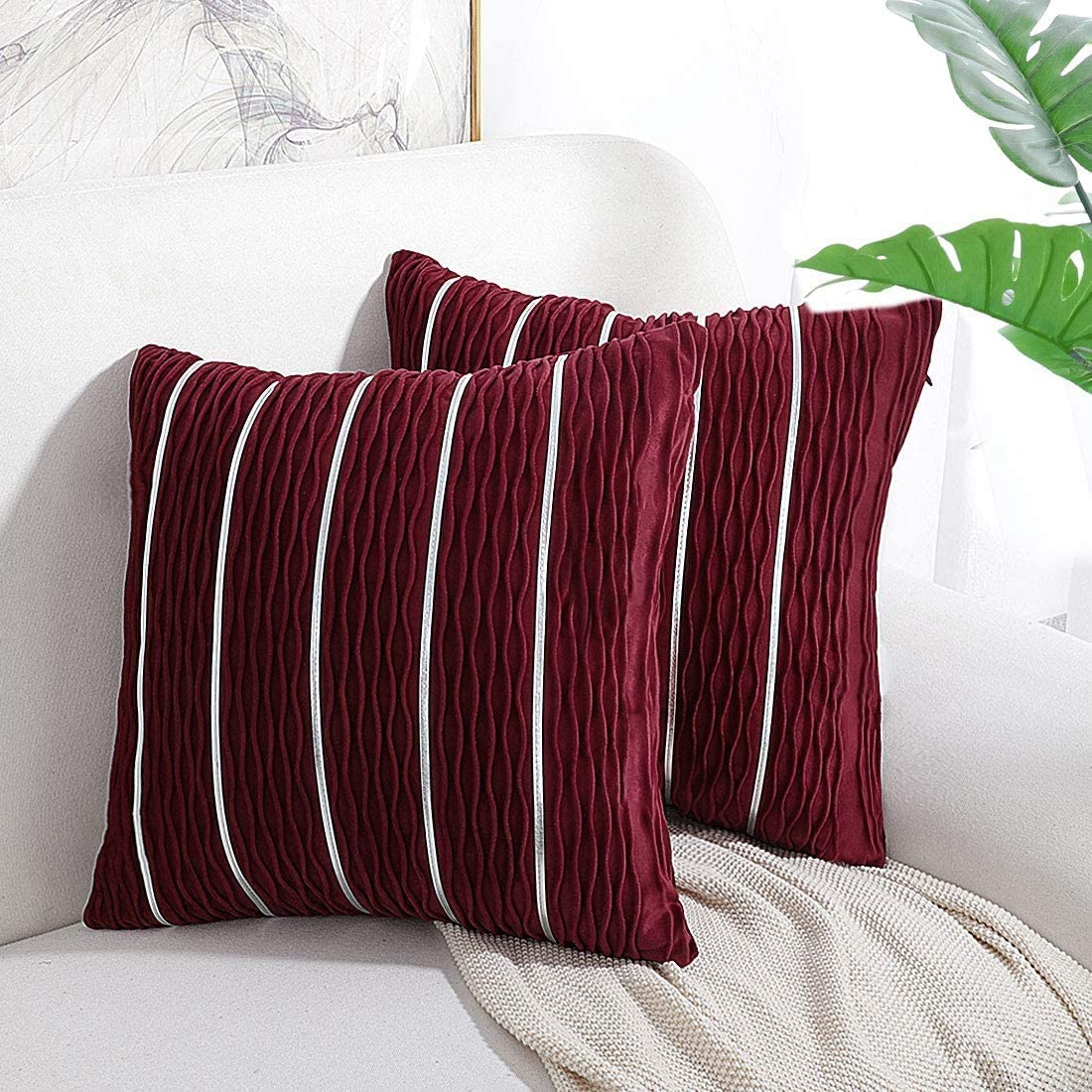 Flobbs Pillow Case Velvet Soft Throw Cushion Covers With Hidden Zipper For Couch 45x45 Cm 2 Packs Red Amazon Co Uk Kitchen Home