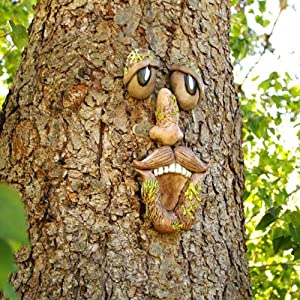 Old Man Tree Hugger,Garden Decorations Tree Face Trunk Hanging Decoration Big Eyes Weatherproof Easter for Outdoor Yard