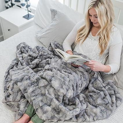 Amazon Oversized Softest Warm Elegant Cozy Faux Fur Home Throw Beauteous Softest Throw Blanket Ever