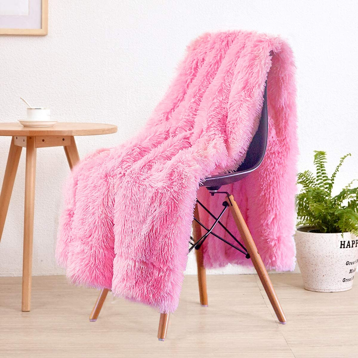 """LOCHAS Super Soft Shaggy Faux Fur Blanket, Plush Fuzzy Bed Throw Decorative Washable Cozy Sherpa Fluffy Blankets for Couch Chair Sofa (Pink 50"""" x 60"""")"""