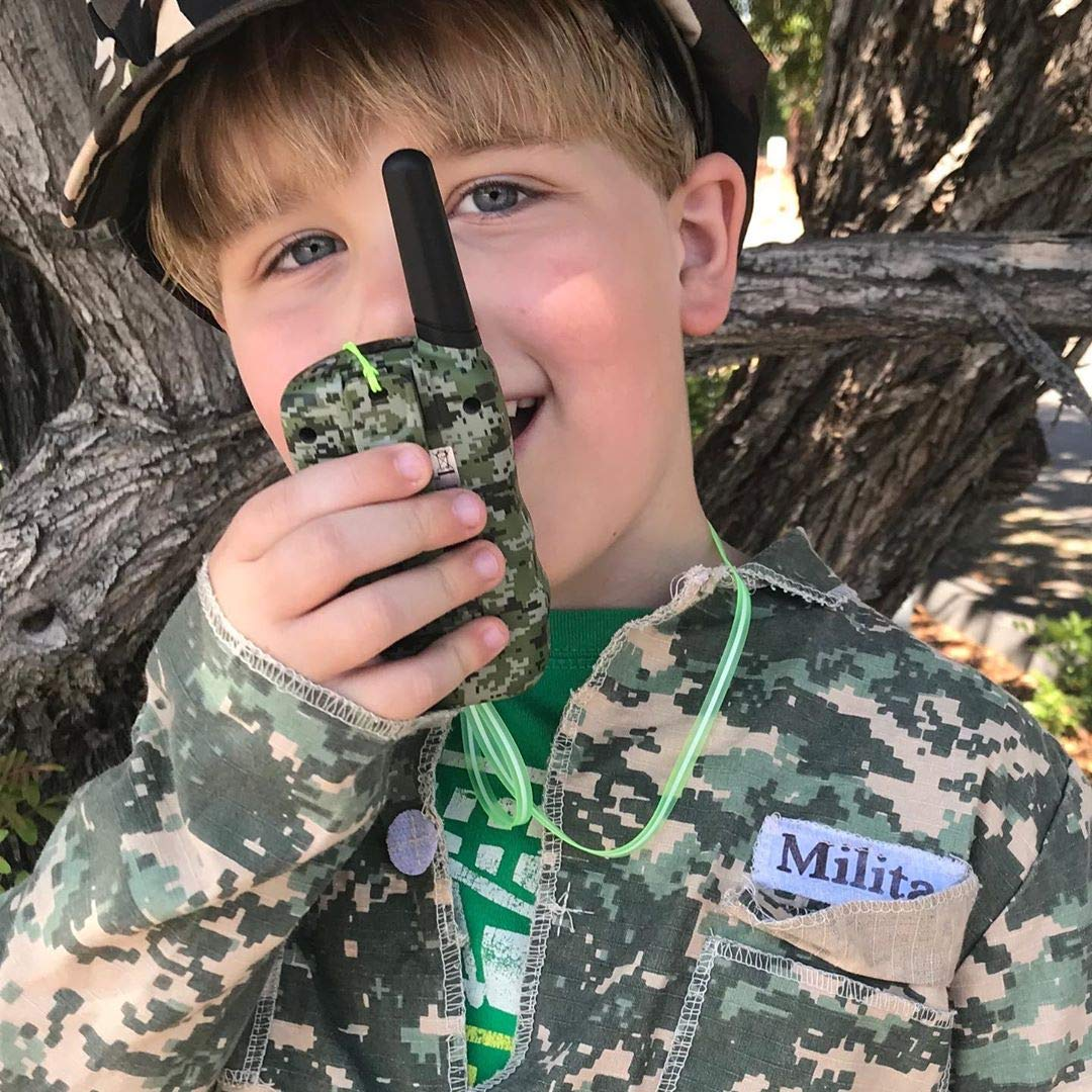 Wishouse Walkie Talkies for Kids,Popular Toys for Boys and Girls Best Handheld Woki Toki with Flashlight,License free Kids Survival Gear for Hunting and Outdoor Adventure(T388 Camouflage 2 Pack) by Wishouse (Image #3)