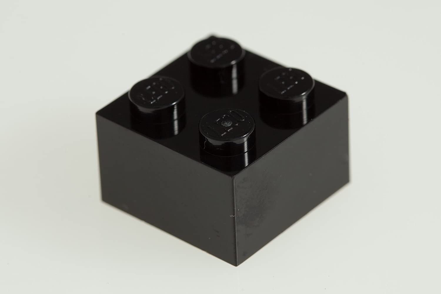 200x Lego Black 2x2 Bricks Super Pack