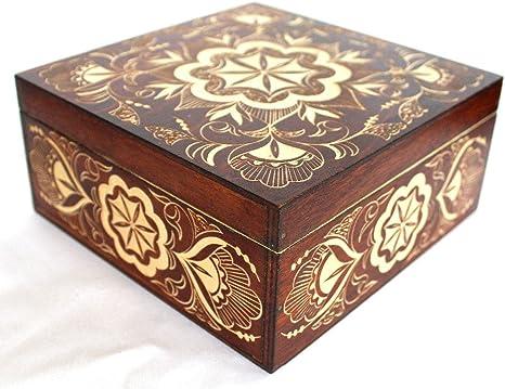 wood carved jewelry box Pine cones trinket box Birch Bark box D 6,7   H 3.5 Decorative box handmade storage box