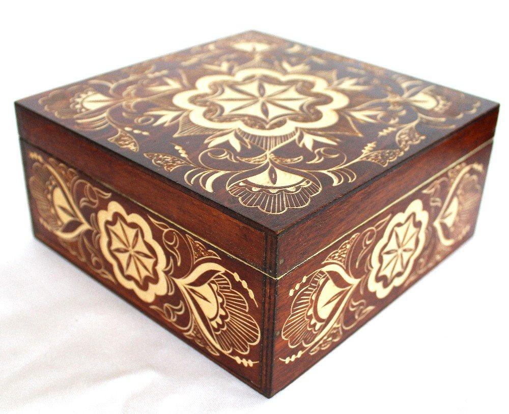Caja tallada de madera hecho a mano y de belarus-one de un kind-ornament: Amazon.es: Hogar