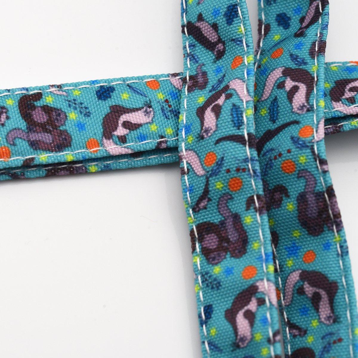 Amazon.com: Nutrias cordón ID Holder cordón de tela de ...