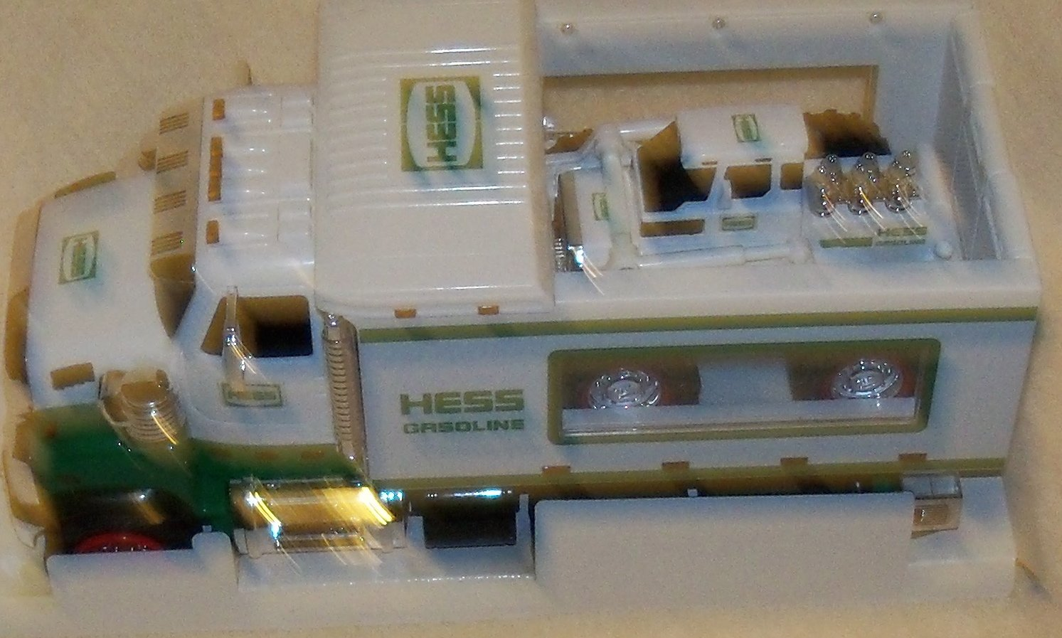 amazon com hess truck 2008 with front loader toys u0026 games