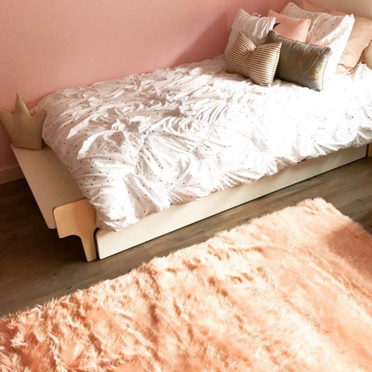 Machine Washable Faux Sheepskin Blush Rug 4' x 6' - Soft and silky - Perfect for baby's room, nursery, playroom (4' x 6' ft Blush/Peach)