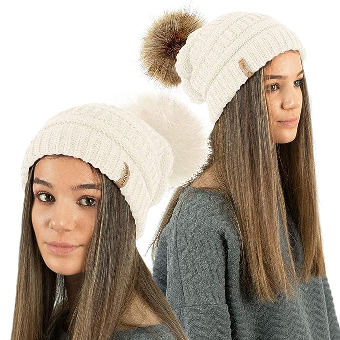 TOSKATOK® Sombrero de Gorrita Tejida con Textura de Mujer con Pompones de  Piel sintética Desmontable  Amazon.es  Ropa y accesorios 8af8adb11dc5