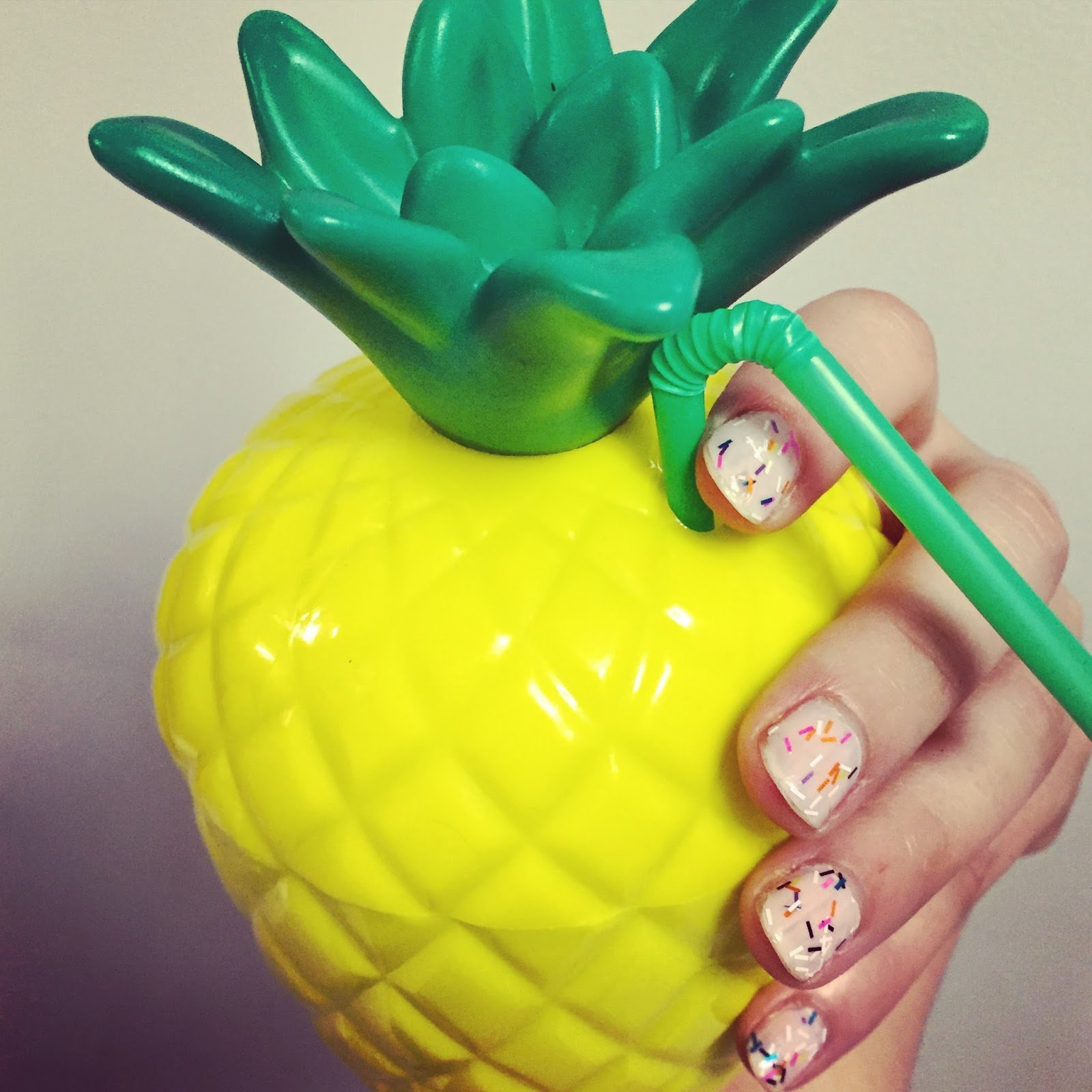 Amscan Pineapple Party Sippy Cup, 18 oz.