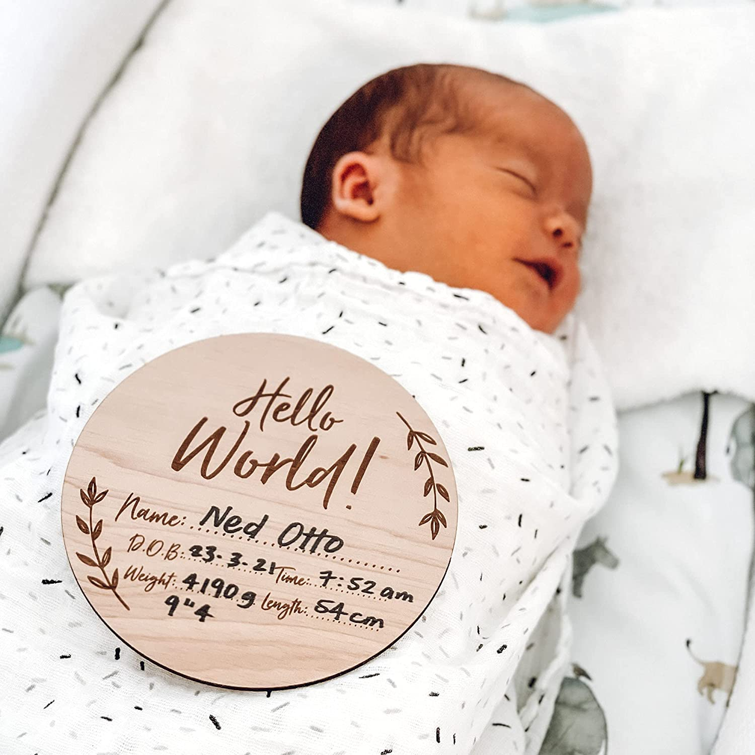 Hello World My Name Is Photography Prop Newborn Baby Shower Gift Personalised Wooden Birth Announcement New Baby Name Disc Plaque Sign