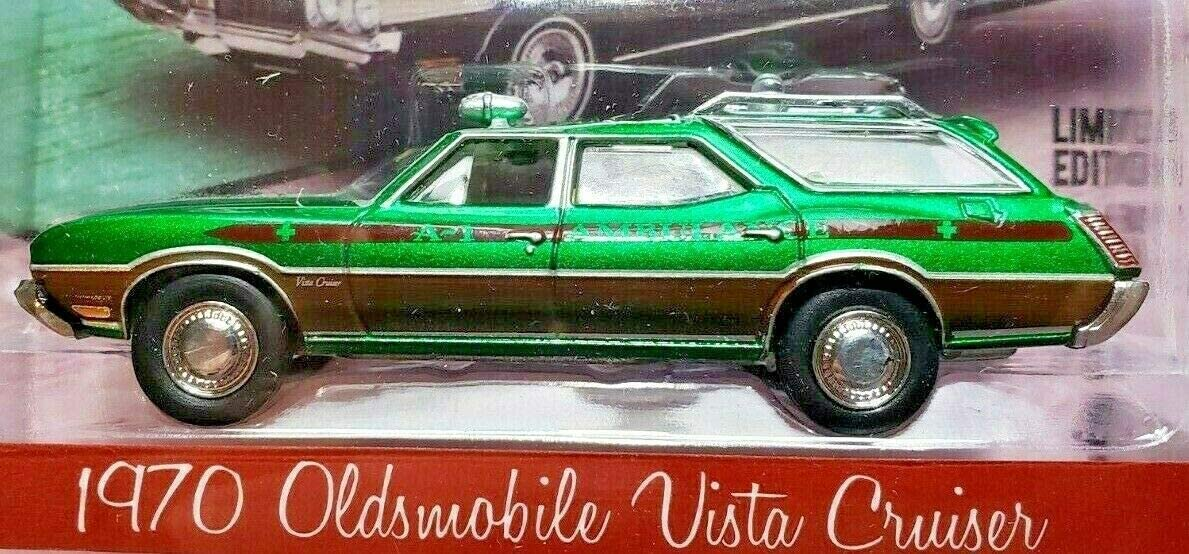 Greenlight 1//64 1970 Oldsmobile vista cruiser wagon ambulance waco tx  NIB