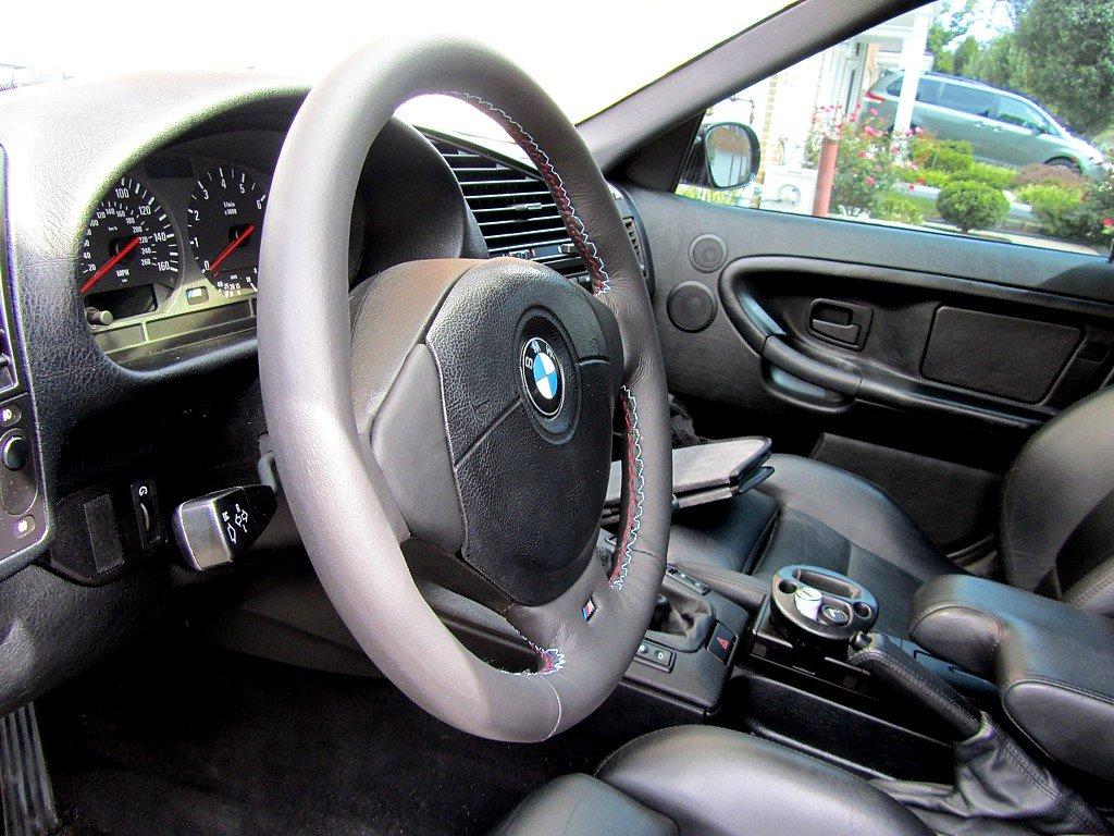 Amazon.com: RedlineGoods BMW 5-series E39 1996-03 cubierta del volante Msport de: Automotive