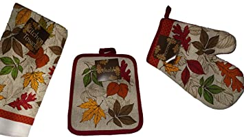 Oven Mitt Set Fall Decorations Bring The Rich Earth Tone Autumn Colors Into The Kitchen This Season Dish Towel Oven Mitt Pot Holder