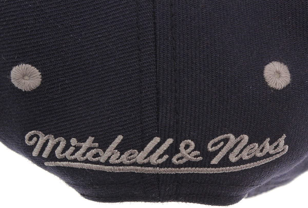 Mitchell /& Ness and Georgetown Hoyas Team Arch Snapback Cap na80z