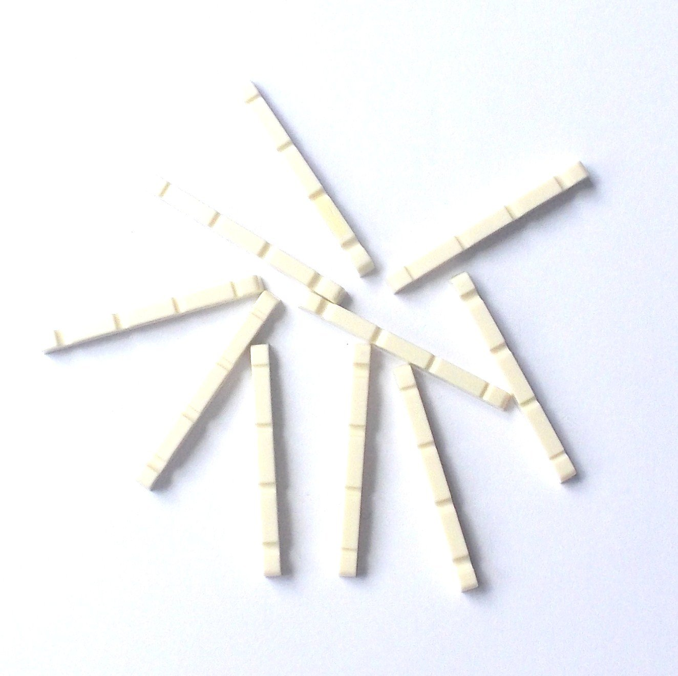 Generic 30 pcs Electric Bass Nuts for 4 String Bass Plastic 43 x 3.4 x 5.3-4.3 Ivory