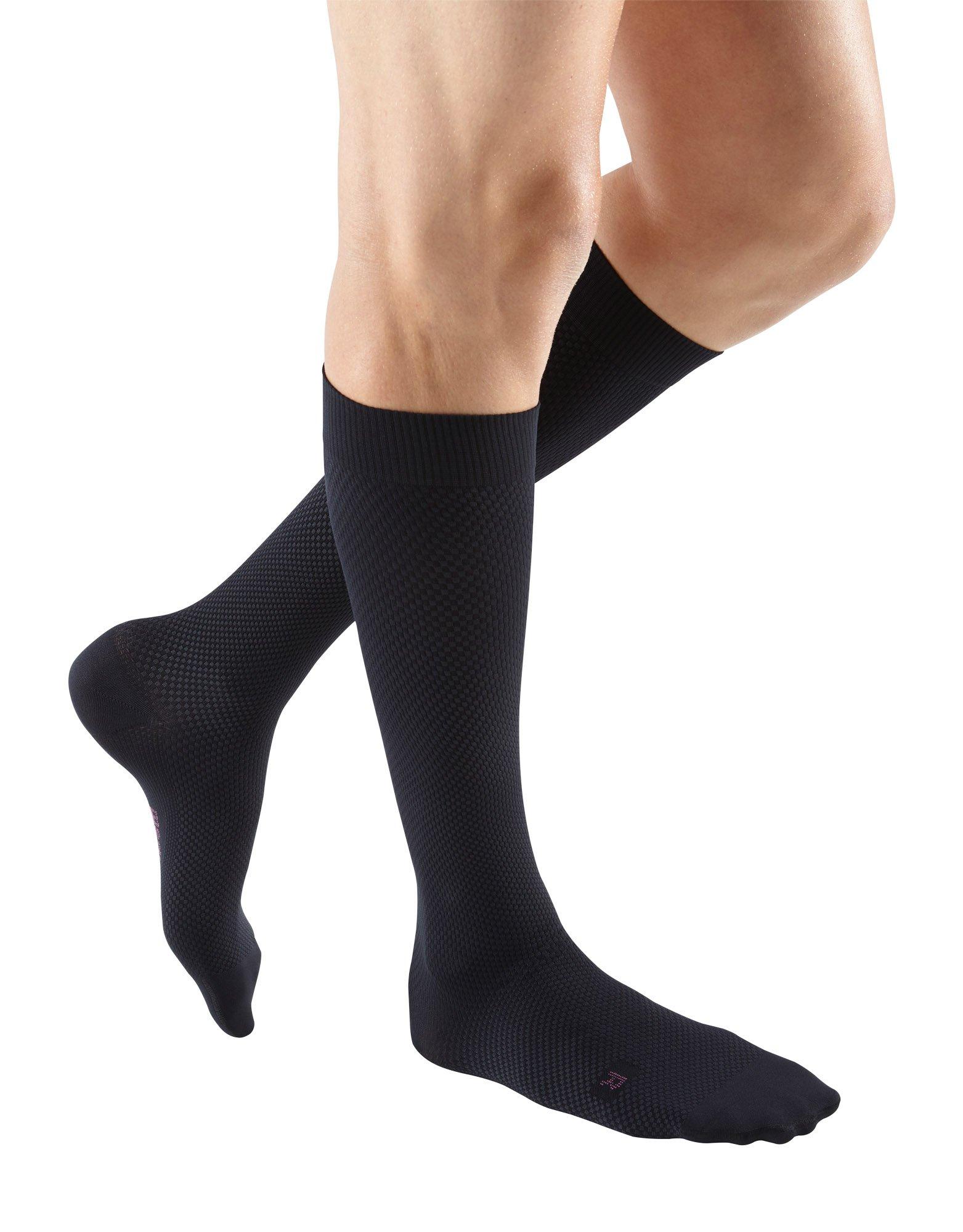 Amazon Com Mediven For Men Classic 20 30 Mmhg Calf High Compression Stockings Closed Toe