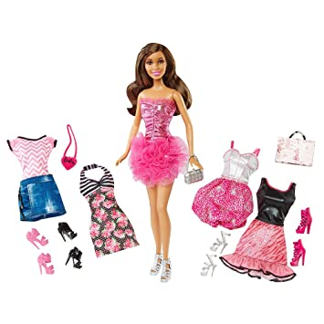 Barbie Malibu Avenue Nikki Doll Fashion Giftset