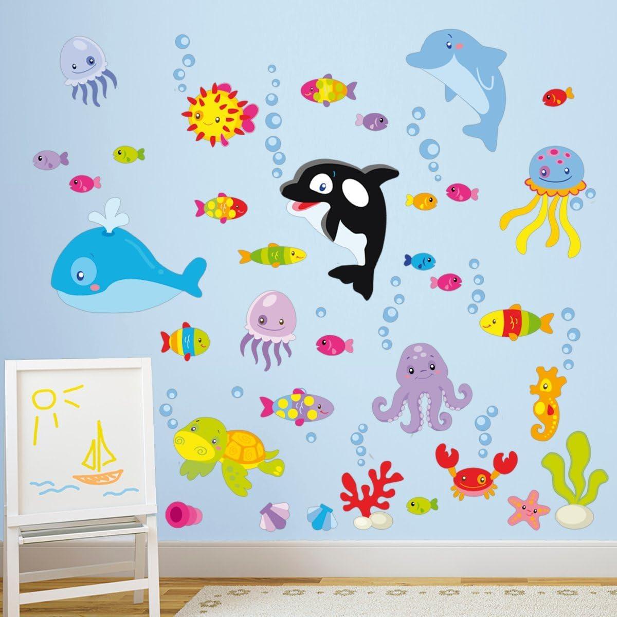 STIKID Realizzato per la cameretta dei Bambini Misura 265x42 cm Prodotto in Italia Under The Sea in Fondo al Mar Resistente Adesivo murale