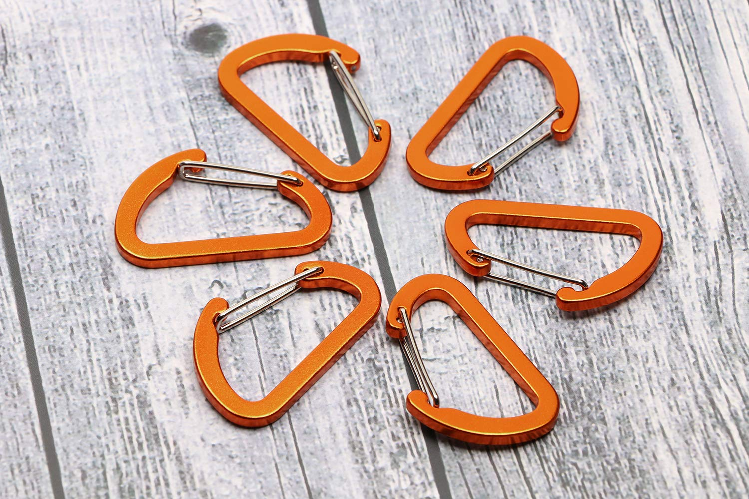 Camping and Travelling Pack of 12 Mini Skater 1.5 Inch Length Aluminum Alloy D Ring Keychain Clip Buckle Lightweight Wire Gate Spring-Loaded Snap Hook for Hiking