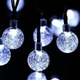Striscia Luminosa LED Solare - Esky® SL50 Striscia Luminosa Alimentata da Energia Solare Lunga 6 metri con 30 Sfere LED Globulari di Cristallo, Striscia Luminosa Fiabesca per Giardino, Recinto, Sentiero, Paesaggio, Decorazione Festiva (Colore Bianco)