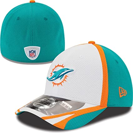 Amazon.com   Miami Dolphins 39THIRTY Stretch Fit Cap 184eb2c11583